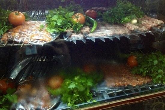 Gaziantep Kebab Salonu: Excellent fresh food.