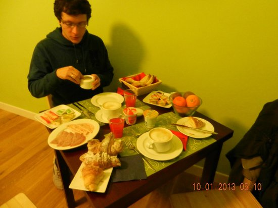 QuodLibet: Desayuno en la habitación