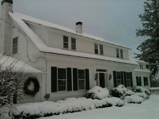 Lovett's Inn in snow, December 2012