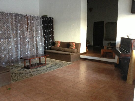 Malindi Guest House: second floor common area