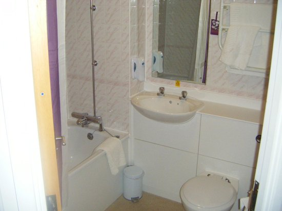 Choice of pillows picture of premier inn leicester for G bathrooms leicester