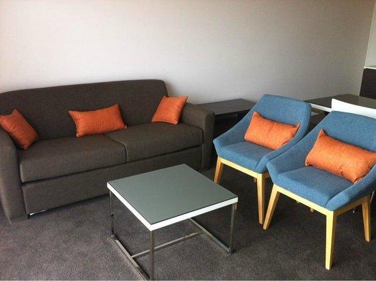 Abode Tuggeranong: Lounge room