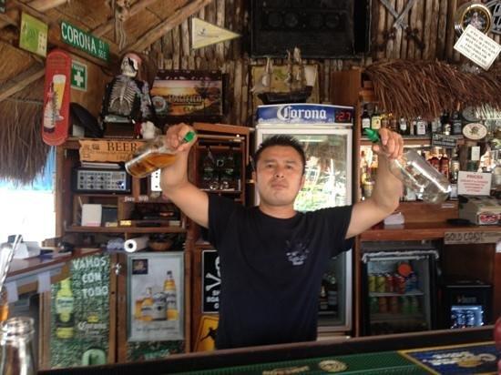 The Pirates Tavern: best bartender in Cancun!