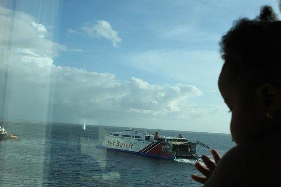Hyatt Regency Trinidad: Devant la baie vitrée