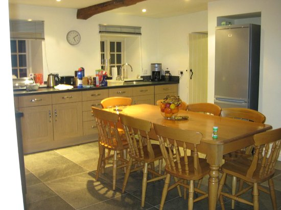 Rudding Park Hotel: Kitchen in 3 bed cottage