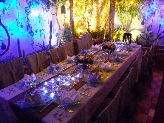 Riad Dar Khmissa Marrakech: Notre table dressé pour le Nouvel an 2013
