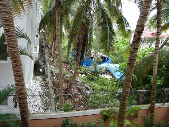 Barcelo Dominican Beach: Décharge, vue de notre chambre