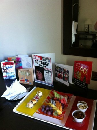 Mafraq Hotel Abu Dhabi: complimentary breakfast for birthday