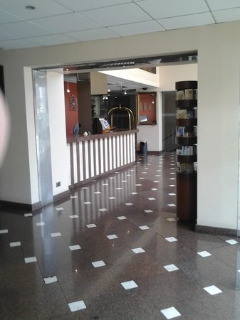 Maria Angola Hotel: Reception