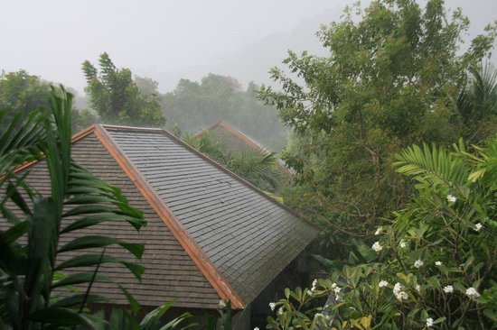 Metadee Resort and Villas: View from our room in the rain