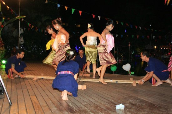 Metadee Resort and Villas: Performance on New Year´s Eve party