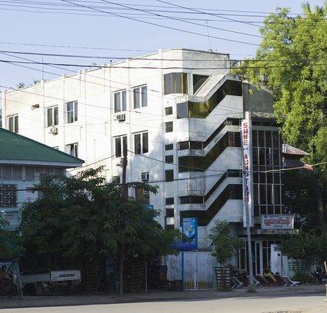 Shwe Taung Tarn