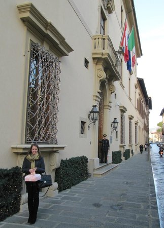 Four Seasons Hotel Firenze: Front of the hotel