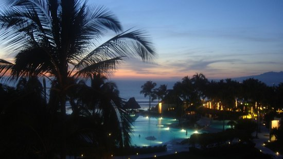 Grand Velas Riviera Nayarit: Gorgeous view on sunset from balcony