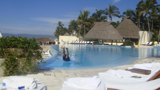 Grand Velas Riviera Nayarit: Pool Bar!
