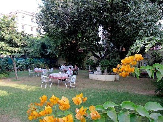 Garden restaurant at Hotel Anuraag Villa
