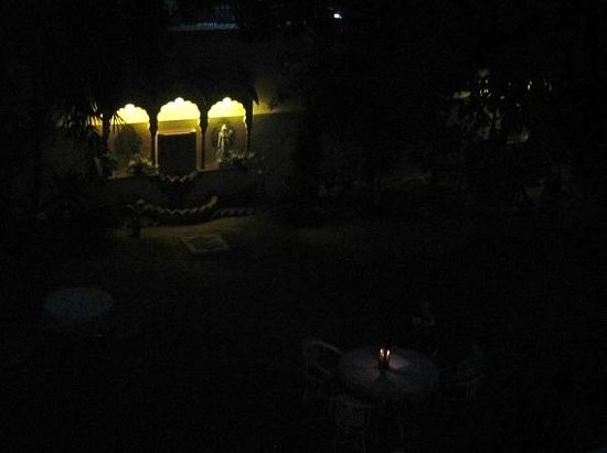 Hotel Anuraag Villa: Night view from Room 305
