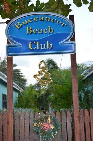 Buccaneer Beach Club: ingresso dalla spiaggia