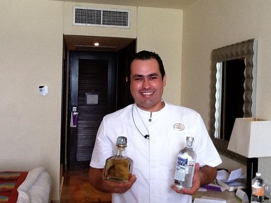 Paradisus Cancun: daniel our butler....your awesome