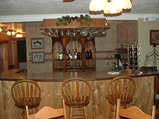 Prospector Place: Bar in Dining Room