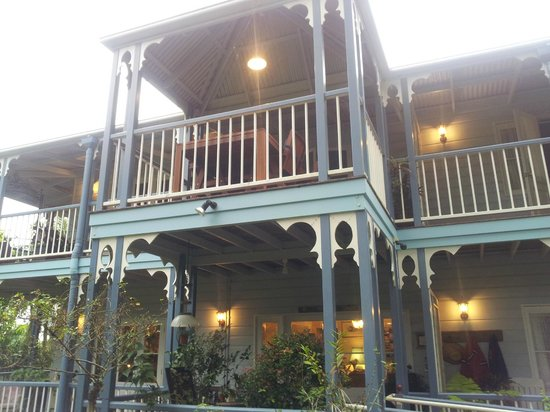 Amore Bed and Breakfast: Kay and John look forward to welcoming you.