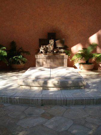 Mission San Fernando: Tomb of Bob and Dolores Hope