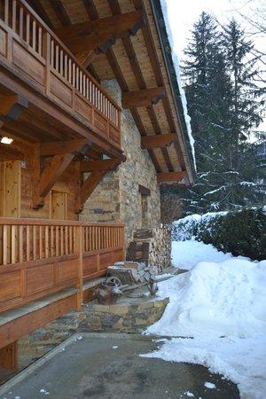Ski Breezy - Chalet D'Ile: Chalet entrance