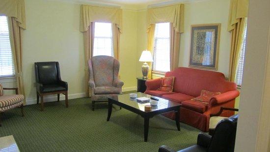 ماريوتس مانور كلوب آت فوردز كولوني: living room 