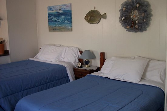 Teaser's Fisherman's Lodge: 2 Double Beds