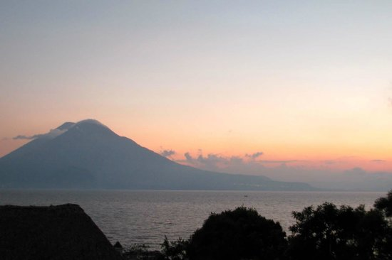 Hotel Atitlan : View from balcony
