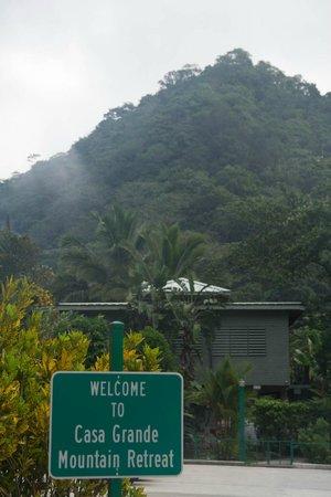 Casa Grande Mountain Retreat: Parking lot!