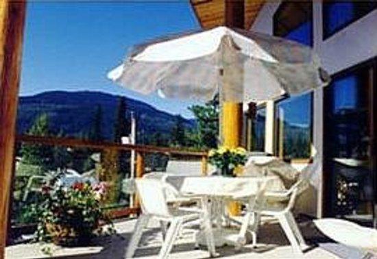 Chalet Beau Sejour: guest balcony