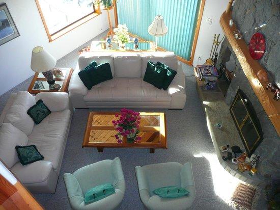 Chalet Beau Sejour: guest lounge