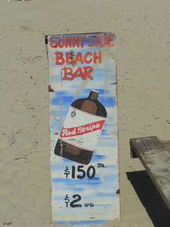 Home Sweet Home Resort: cheapest beer we found on 7 mile beach