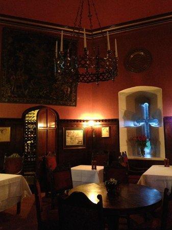 ثورنبيري كاسل: Tower dining room 