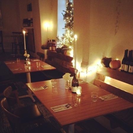 The Love Apple : dinner area