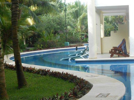 El Dorado Royale, by Karisma: The adorable Swim Up Suites,