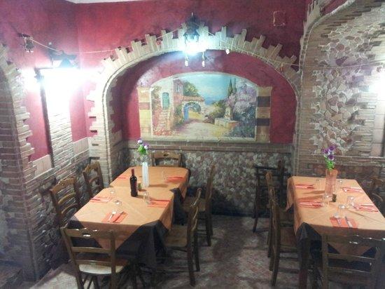 Taverna del Mangione : La sala