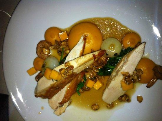 NINE-TEN Restaurant & Bar: Roast Chicken with squash