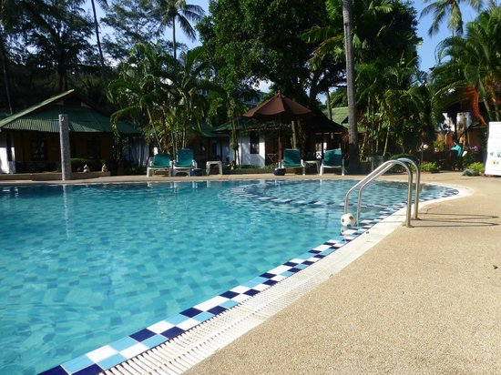 Eden Bungalow Resort: sparkling pool