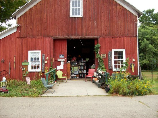The Orendaga on Northville Lake: The Barn Antique shop in Northville
