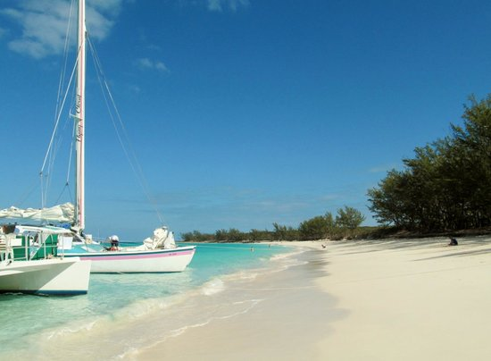 Sandy Toes: Beautiful beach- great sail