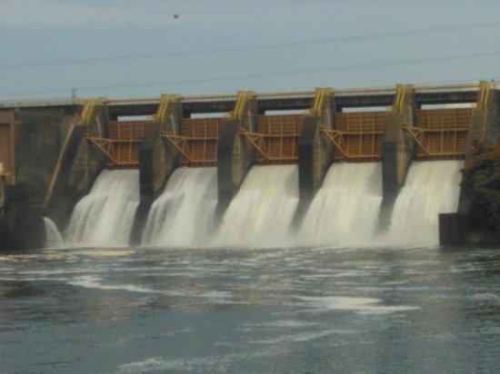 Barra Bonita: Comportas abertas