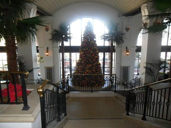 The Westin Lake Las Vegas Resort & Spa: christmas in lobby area