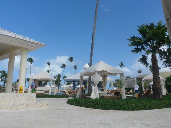 Iberostar Grand Hotel Bavaro: poolside view