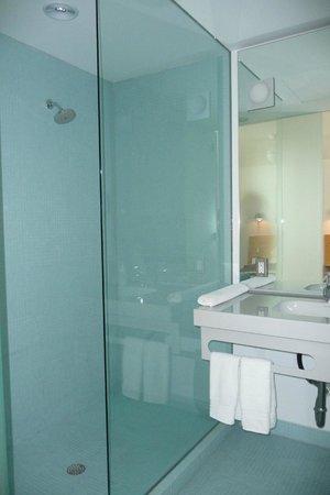 Kimber Modern Hotel: Bathroom