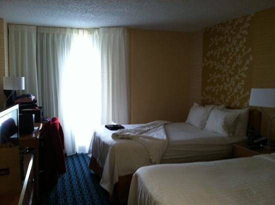 Fairfield Inn & Suites Denver Cherry Creek : renovated room was comfy
