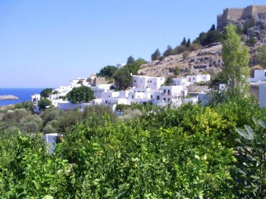 Panorama Hotel Apartments: The town of Lindos