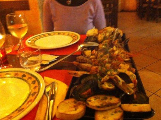 Ristorante Il Gufo Vino Cucina Pizza In Genova Con Cucina