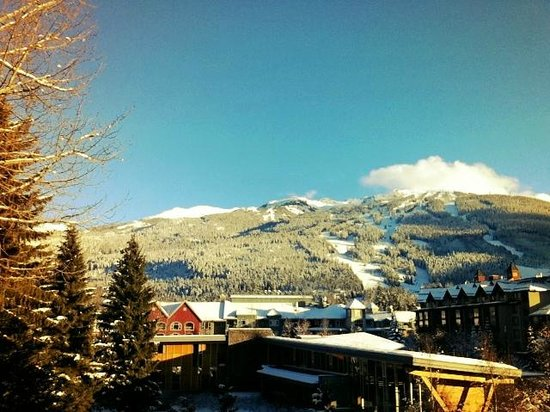 Pinnacle Hotel Whistler: View from my room over looking Blackcomb Mtn..